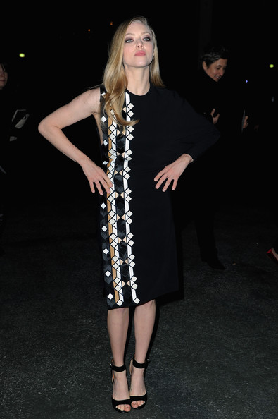 More Pics of Amanda Seyfried One Shoulder Dress (1 of 4) - Amanda Seyfried Lookbook - StyleBistro
