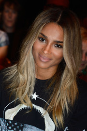 Ciara looked cool and pretty at the Givenchy fashion show with this center-parted layered 'do.