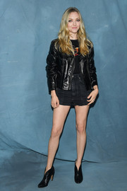 Amanda Seyfried added a dose of edge with a black leather jacket.
