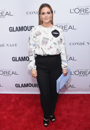 Drew Barrymore looked oh-so-cute in a Paris-themed blouse from her Dear Drew collection at the 2017 Glamour Women of the Year Awards.