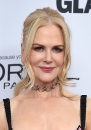 Nicole Kidman styled her hair into a loose ponytail with face-framing tendrils for the 2017 Glamour Women of the Year Awards.