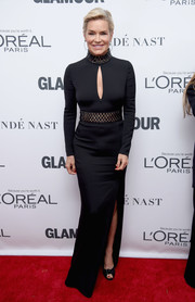 Yolanda Foster showed off her figure in a fitted keyhole-cutout gown at the 2017 Glamour Women of the Year Awards.