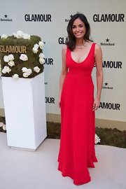 Ines looked lovely in a red scoopneck maxi dress at the 'Glamour' Magazine gala.