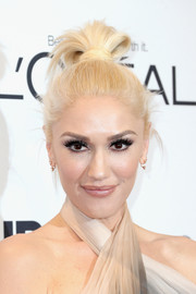 Gwen Stefani swept her hair up into a cool top knot for the Glamour Women of the Year 2016.
