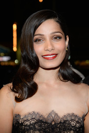 Freida Pinto was gorgeously coiffed with vintage-style waves at the Glamour Women of the Year 2016.