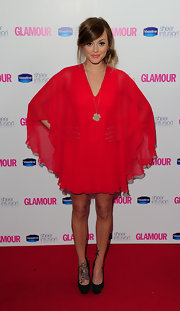 Fearne added a simple gold pendant necklace while in attendance at the Glamour Awards.