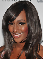 Alexandra Burke upped the ante on her look with bold false lashes.