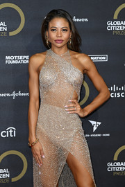 Emma Thynn paired a gold link bracelet with a sexy see-through dress for the Global Citizen Prize 2019.
