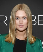 Toni Garrn opted for a simple center-parted style when she attended the New York screening of 'Gloria Bell.'