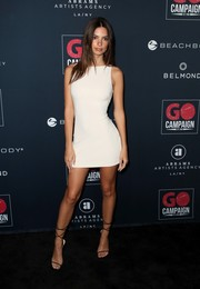 Emily Ratajkowski showed off her famous figure in a skintight beige mini dress at the 2019 Go Gala.