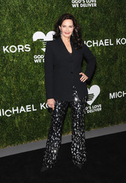 Lynda Carter attended the 2018 Golden Heart Awards wearing a simple black blazer.