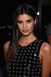 Sara Sampaio gave us hair envy with her sleek straight layers at the God's Love We Deliver, Golden Heart Awards.