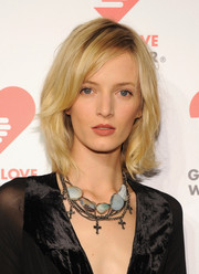 Daria Strokous sported a stylish short 'do with subtle waves when she attended the Golden Heart Awards.