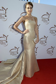 Jessica Alba was a glamorous standout in this shimmery Romona Keveza strapless gown at the Golden Butterfly Awards.
