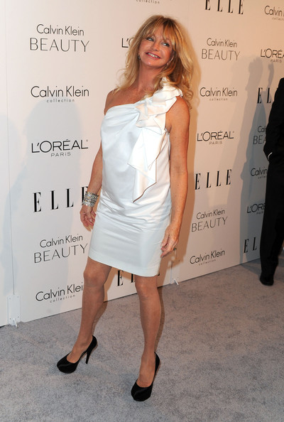 Goldie Hawn Platform Pumps [elle,white,clothing,shoulder,dress,cocktail dress,hairstyle,fashion,joint,leg,footwear,17th annual women in hollywood tribute,beverly hills,california,the four seasons hotel,17th annual women in hollywood tribute - arrivals,goldie hawn]