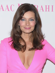 Paulina Porizkova attended Good Shepherd Services spring party wearing her long shiny locks in soft face-framing layers.