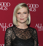 Kirsten was a vision of elegance at the  New York premiere of her new movie 'All Good Things.' Ms. Dunst wore a beautiful lace dress by Valentino and vintage 19th Century diamond fringe earrings.