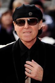 Klaus Meine topped off his look at the Gorby 80 Gala with rectangular sunnies.