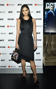 Pia Wurtzbach displayed her svelte figure in a fitted LBD at the Gotham Magazine winter issue celebration.