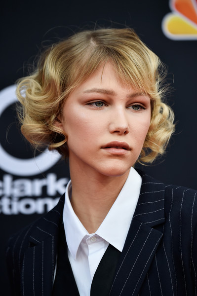 Grace Vanderwaal Curled Out Bob