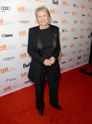 Astronaut Roberta Bondar chose a black tuxedo for the premiere of 'Gravity.'