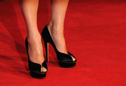 Sandra Bullock hit the 'Gravity' red carpet wearing stylish black platform peep-toes by Charlotte Olympia.