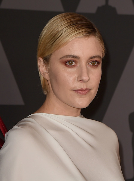Greta Gerwig Short Side Part [hair,face,hairstyle,eyebrow,blond,lip,chin,shoulder,beauty,fashion,greta gerwig,hollywood highland center,california,the ray dolby ballroom,academy of motion picture arts and sciences,9th annual governors awards]