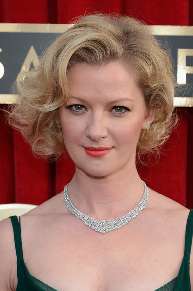 Gretchen Mol Curled Out Bob [red carpet,hair,face,blond,hairstyle,eyebrow,chin,beauty,lady,lip,layered hair,gretchen mol,screen actors guild awards,california,los angeles,the shrine auditorium,19th annual screen actors guild awards]