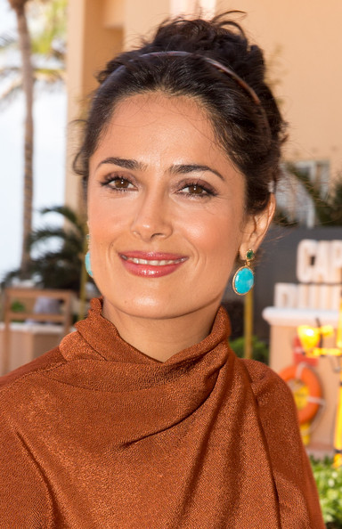 More Pics of Salma Hayek Dangling Turquiose Earrings (1 of 28) - Salma Hayek Lookbook - StyleBistro