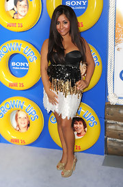 Snooki wore a standout, sequin cocktail dress with glitter-embellished, peep toe pumps.