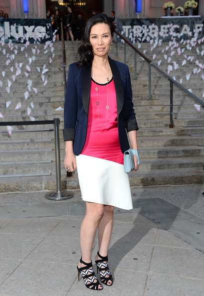More Pics of Wendi Deng Murdoch Gold Chain (1 of 5) - Gold Necklaces Lookbook - StyleBistro [clothing,white,street fashion,photograph,fashion,snapshot,footwear,pink,blazer,outerwear,guests,wendi deng murdoch,nyc,vanity fair party,tribeca film festival]