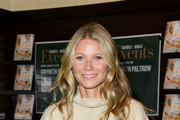 Gwyneth Paltrow Dark Nail Polish