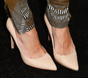 Cat Sadler showed that even a pair of nude pumps can be classy and sexy.