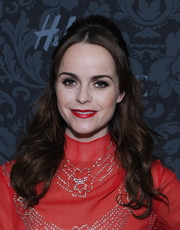 Taryn Manning sported a retro half-up half-down 'do at the H&M and Vogue Studios party.