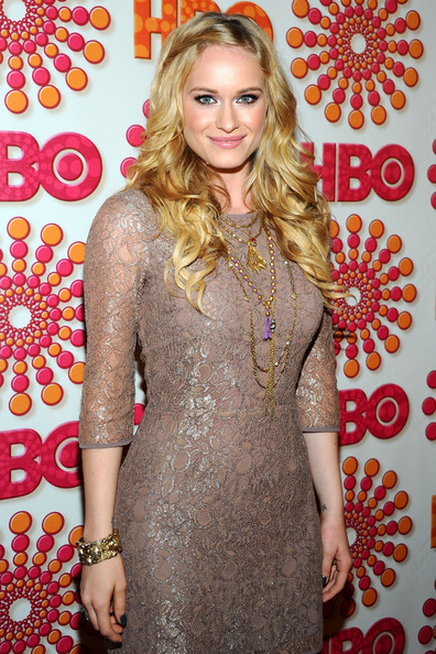 Actress Leven Rambin showed off her lovely tresses with this long curly 'doo.