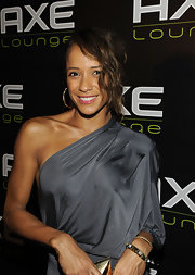 Dania paired her one-shoulder dress with a loose updo and side swept bangs.