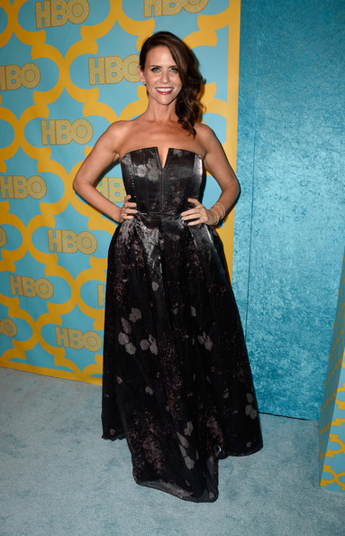Amy Landecker chose a strapless gown with a subtle print for her HBO Golden Globes party look.
