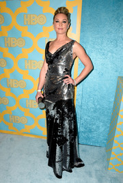 Elisabeth Rohm went for ultra-glam shine in a fully sequined cowl-neck gown during the HBO Golden Globes party.