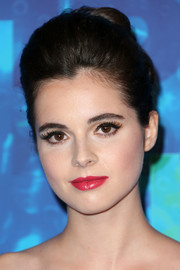 Vanessa Marano looked sophisticated wearing this loose bun during HBO's post-Emmy reception.