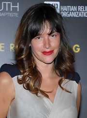 Paz de la Huerta showed her sweeter side with this romantic curly 'do at the Help Haiti benefit.