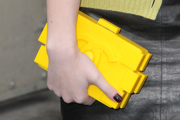 Hailee Steinfeld Hard Case Clutch [yellow,hand,arrivals,hailee steinfeld,couture spring,handbag detail,couture,grand palais,chanel,chanel spring,paris fashion week,show]