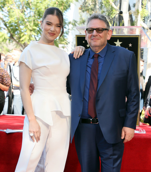 Hailee Steinfeld Statement Ring [lucian grainge honored with a star on the hollywood walk of fame,red carpet,carpet,event,flooring,premiere,dress,suit,fashion,shoulder,formal wear,lucian grainge,sir,star,hailee steinfeld,hollywood walk of fame,california,event,lucian grainge,hailee steinfeld,hollywood walk-of-fame modern suite,celebrity,universal music group,red carpet,grammy awards,talent manager,justin bieber]