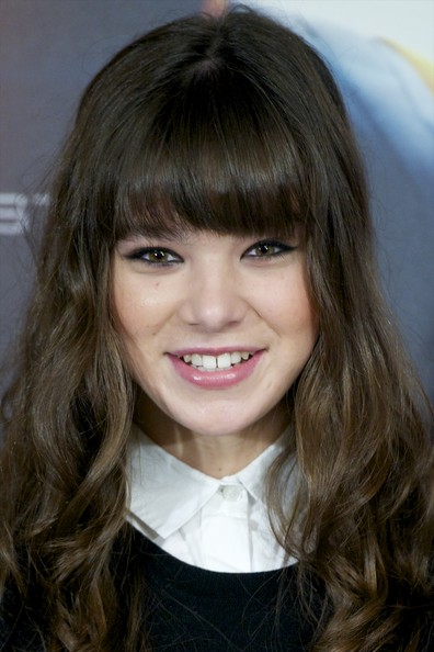 Hailee Steinfeld Pink Lipstick [enders game,madrid photocall,hair,face,hairstyle,bangs,eyebrow,chin,lip,layered hair,forehead,blond,hailee steinfeld,photocall,american,madrid,spain,villa magna hotel]