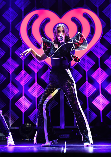 Hailee Steinfeld High-Waisted Pants [performance,entertainment,performing arts,dancer,performance art,event,stage,talent show,artist,dance,kiss fm,hailee steinfeld,dallas,texas,american airlines center,capital one,jingle ball 2017 - show]
