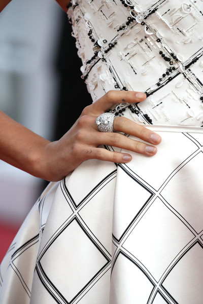 Hailey Bieber Statement Ring [the beguiled red carpet arrivals,fashion,dress,hand,photography,finger,ring,fashion accessory,haute couture,engagement ring,jewellery,hailey baldwin,screening,ring detail,fashion,delivery,inspiration,group,cannes film festival,palais des festivals,tattoo,pattern,vogue,close-up,digit,image,ethnic group,delivery,artistic inspiration]