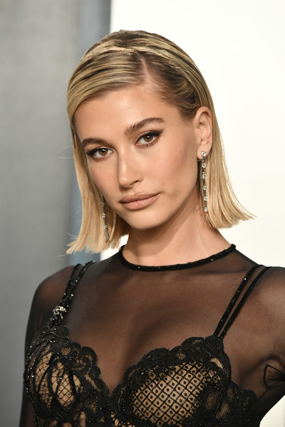 Hailey Bieber Side Parted Straight Cut