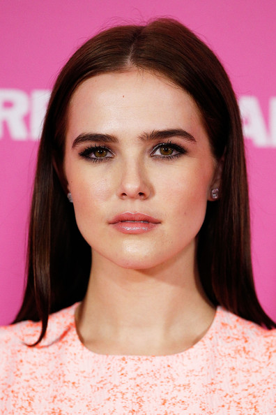 More Pics of Zoey Deutch Long Straight Cut (1 of 3) - Zoey Deutch Lookbook - StyleBistro [vampire academy,hair,face,eyebrow,hairstyle,lip,chin,beauty,cheek,skin,forehead,zoey deutch,beauty,hair,australia,sydney,george street,event cinemas,premiere]