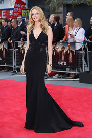 Heather Graham's black evening gown featured a deep V-neck and paneled detailing on the bodice.