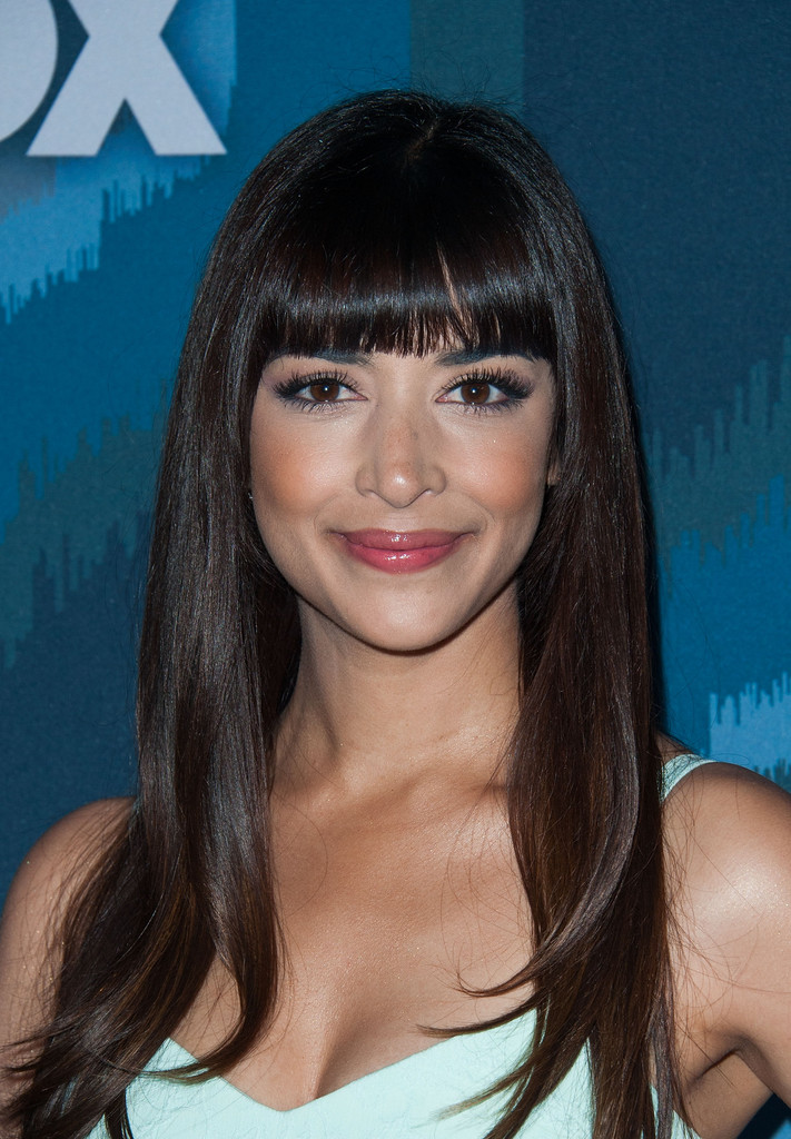 Hannah Simone Long Straight Cut With Bangs Lookbook