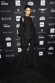 Kendall Jenner rocked a decontructed-chic peplum top by Vera Wang at the 2018 Harper's Bazaar Icons event.